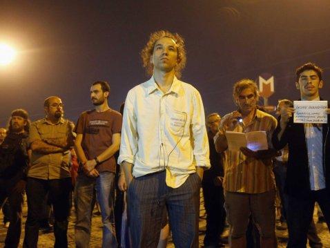erdem-gunduz-standing-man-protests-turkey-istanbul